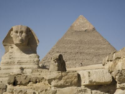 Sphinx and the Pyramid of Cheops, Giza, UNESCO World Heritage Site, Near Cairo, Egypt