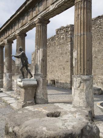 Temple of Apollo, Pompeii, UNESCO World Heritage Site, Campania, Italy, Europe