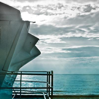 On a Teal Beach I-Jairo Rodriguez-Photographic Print