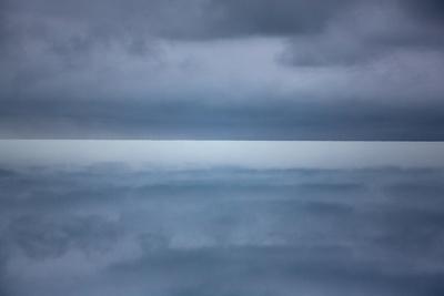 https://imgc.artprintimages.com/img/print/on-arctic-seas_u-l-q122no50.jpg?p=0