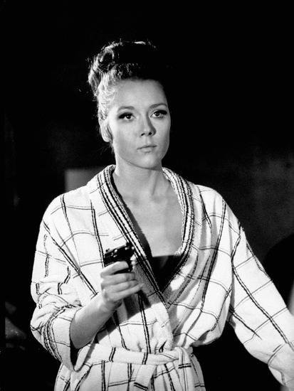 on her majesty s secret service 1969 directed by peter hunt diana rigg photo photo art com on her majesty s secret service 1969 directed by peter hunt diana rigg photo