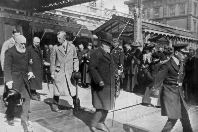 On His Way to His Own Country for the Last Time, King Edward's Return from Biarritz, 1910--Giclee Print