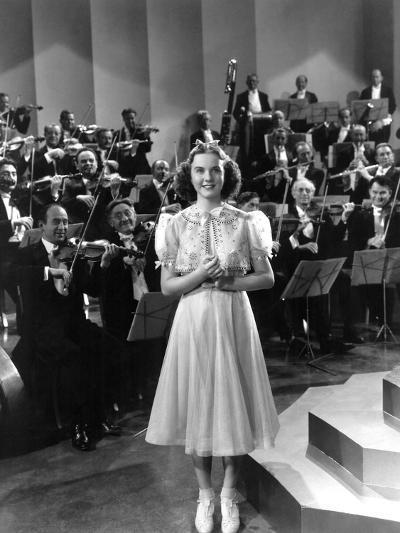 One Hundred Men And A Girl, Deanna Durbin, 1937--Photo