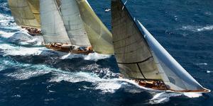 Close Racing by Onne van der Wal
