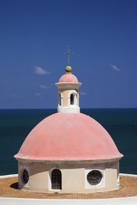 Pink Dome at El Morro Fortress by Onne van der Wal