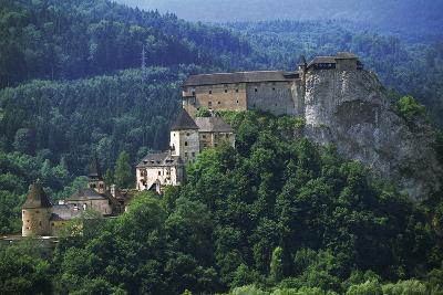 Orava Castle, Oravsky Podzamok, Slovakia--Photographic Print
