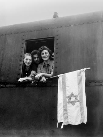 Orphaned Jewish Teens are on their Way to Palestine after Release from Buchenwald