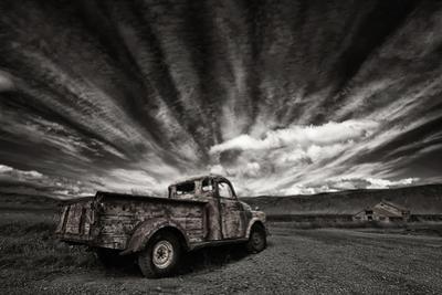 Old Truck (Mono) by ?orsteinn H. Ingibergsson