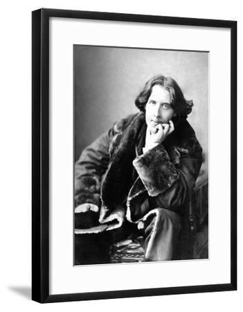 Oscar Wilde in His Favourite Coat, 1882-Napoleon Sarony-Framed Giclee Print