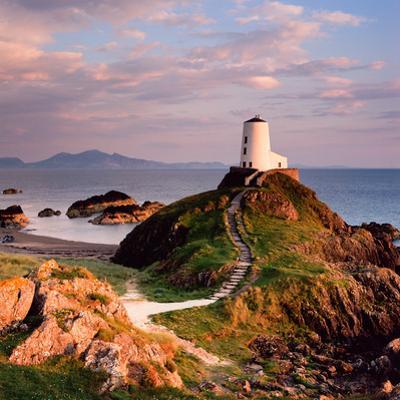Llanddwyn Lighthouse by Osian Rees