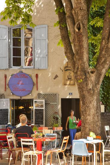 Outdoor Cafe in the Town of Saint Remy De-Provence, France-Brian Jannsen-Photographic Print