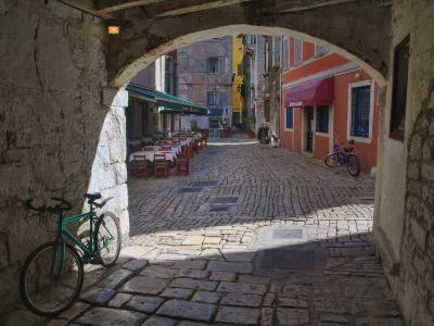 Outdoor Cafe, Rovigno, Croatia-Adam Jones-Photographic Print