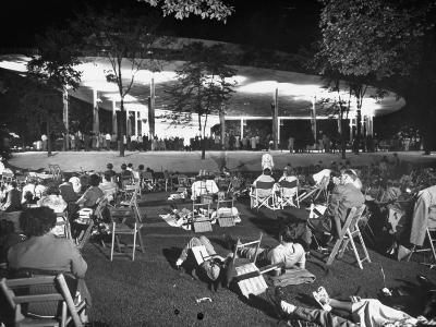 Outdoor Concert-Ralph Crane-Photographic Print