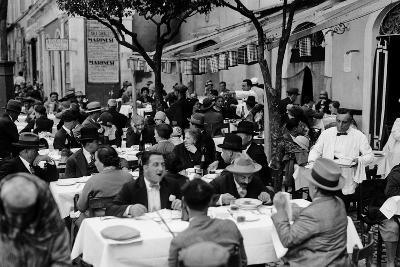 Outdoor Trattoria in Rome, c.1927-Armando Bruni-Giclee Print