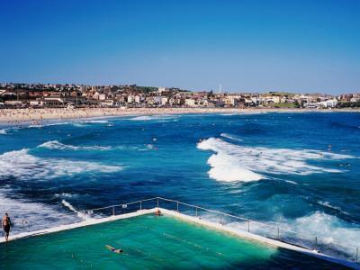 https://imgc.artprintimages.com/img/print/overhead-of-bondi-icebergs-pool-and-bondi-beach_u-l-pxtqb80.jpg?p=0
