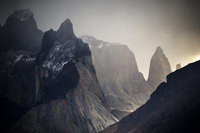 https://imgc.artprintimages.com/img/print/overlooking-paine-grande-left-los-cuernos-right-torres-del-paine-np-located-s-chilean-patagonia_u-l-q19n6z80.jpg?p=0