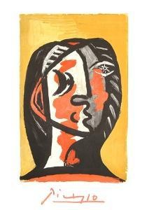 Tete de Femme en Gris et Rouge sur Fond Ochre by Pablo Picasso