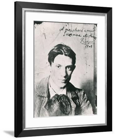 Pablo Picasso--Framed Photographic Print
