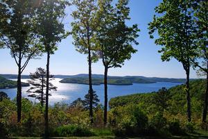 Beauty of Beaver Lake Arkansas by pakul