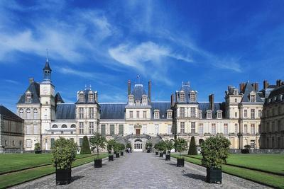 Palace of Fontainebleau--Giclee Print