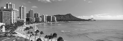 https://imgc.artprintimages.com/img/print/palm-trees-on-the-beach-diamond-head-waikiki-beach-oahu-honolulu-hawaii-usa_u-l-pxmw020.jpg?p=0