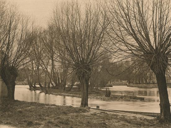 'Pangbourne Weir', 1902-Unknown-Photographic Print