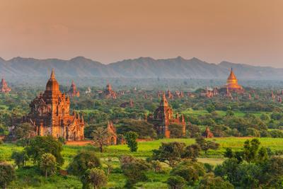 https://imgc.artprintimages.com/img/print/panoramic-view-at-sunset-over-the-ancient-temples-and-pagodas-bagan-myanmar-or-burma_u-l-psvnjr0.jpg?p=0