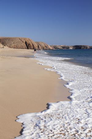 https://imgc.artprintimages.com/img/print/papagayo-beach-playa-papagayo-near-playa-blanca-lanzarote-canary-islands-spain_u-l-q1byqap0.jpg?p=0