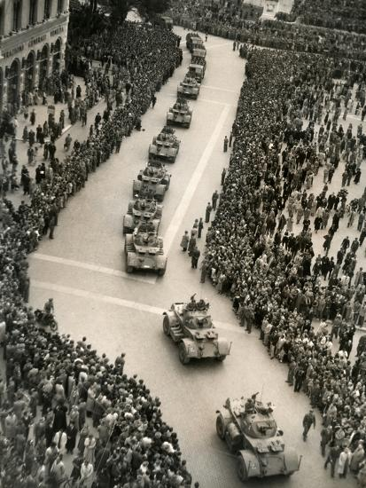 Parade of Italian Military Units in the Piazza Venezia, Rome-Luigi Leoni-Photographic Print