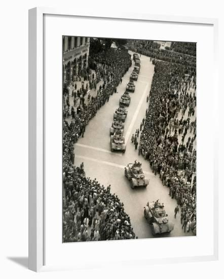 Parade of Italian Military Units in the Piazza Venezia, Rome-Luigi Leoni-Framed Photographic Print