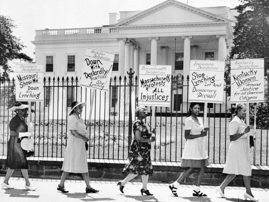 Parade Past the White House--Photographic Print