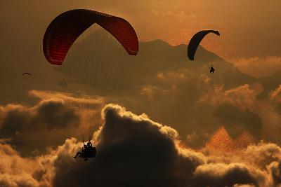 Paragliding-Yavuz Sariyildiz-Photographic Print