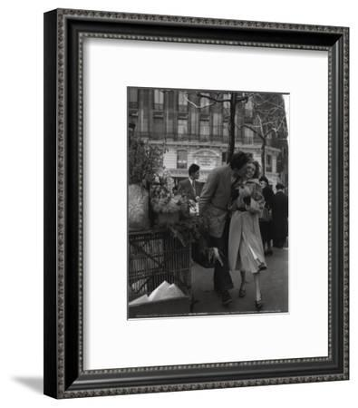 Paris, 1950-Robert Doisneau-Framed Art Print