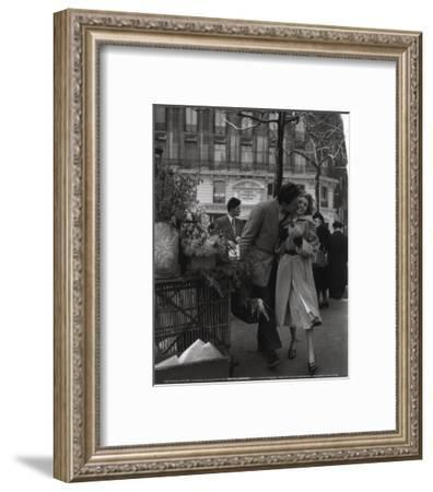 Paris, 1950-Robert Doisneau-Framed Art Print
