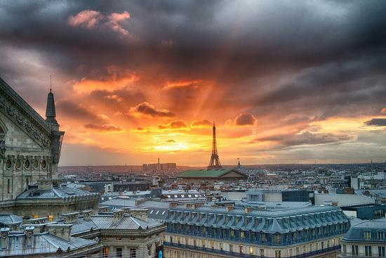 paris-city-scene-at-sunset