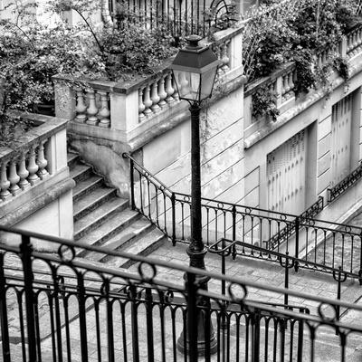 https://imgc.artprintimages.com/img/print/paris-focus-stairs-of-montmartre_u-l-pz61a60.jpg?p=0