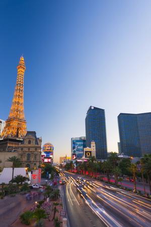 https://imgc.artprintimages.com/img/print/paris-las-vegas-hotel-and-casino_u-l-po7ioo0.jpg?p=0
