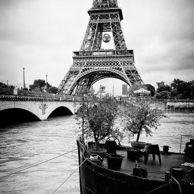 Paris sur Seine Collection - Destination Eiffel Tower II-Philippe Hugonnard-Photographic Print