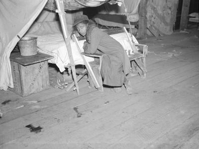 https://imgc.artprintimages.com/img/print/patient-in-a-red-cross-temporary-infirmary-for-flood-refugees-at-forrest-city-arkansas-1937_u-l-q1by45d0.jpg?p=0