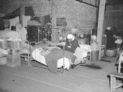 https://imgc.artprintimages.com/img/print/patient-in-a-red-cross-temporary-infirmary-for-flood-refugees-at-forrest-city-arkansas-1937_u-l-q1by48v0.jpg?p=0