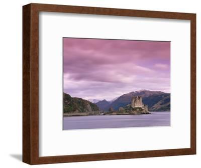 Eilean Donan Castle, Dornie, Lochalsh (Loch Alsh), Highlands, Scotland, United Kingdom, Europe