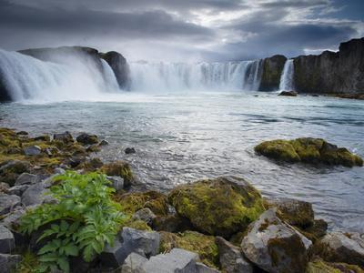 Godafoss Waterfall (Fall of the Gods), Between Akureyri and Myvatn, (Nordurland), Iceland