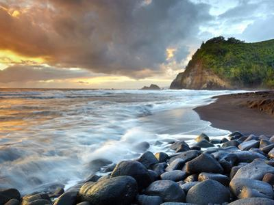 Coast of Pololu Valley, Big Island, Hawaii, USA by Patrick Smith