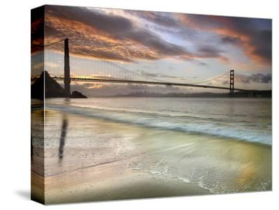 Golden Gate Bridge at Sunrise, San Francisco, California, USA