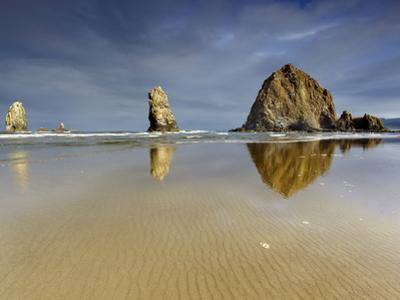 Needles and Haystack Rocks, Canon Beach, Oregon, USA by Patrick Smith