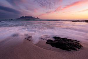 Table Mountain, Streaky Dusk by Paul Bruins Photography