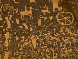 Fremont, Anasazi, Navajo and Anglo Culture Symbols, Newspaper Rock Historical Monument, Utah, Usa by Paul Colangelo