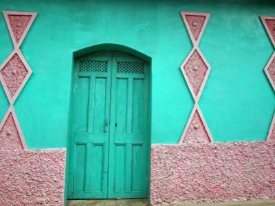 Colourful Art Deco-Style Facade of Private House on 3A Avenida Norte
