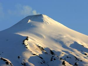 Volcán Villarrica, Lake District by Paul Kennedy