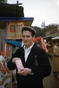 PAUL NEWMAN Snack Time (photo)